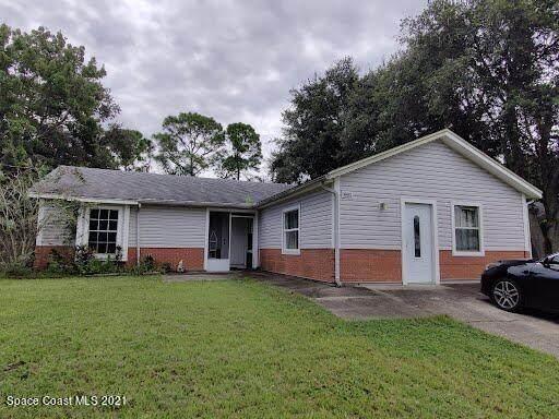 6615 Dock Avenue, Cocoa, FL 32927 (#918432) :: The Reynolds Team | Compass