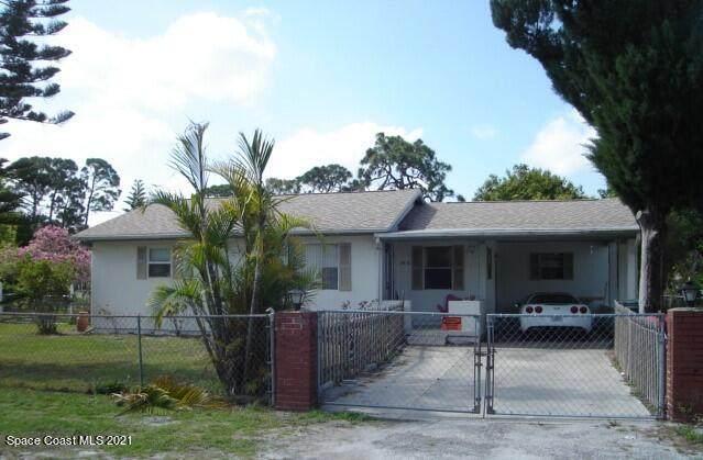 2576 Second Avenue NE, Palm Bay, FL 32905 (MLS #918987) :: Blue Marlin Real Estate