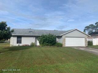 6252 Leonard Avenue, Cocoa, FL 32927 (MLS #919055) :: Keller Williams Realty Brevard