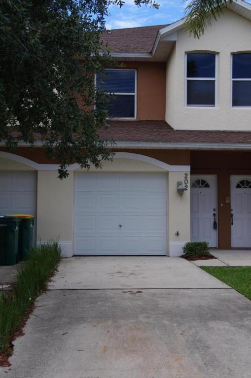 1030 Venetian Drive #202, Melbourne, FL 32904 (MLS #814363) :: Premium Properties Real Estate Services