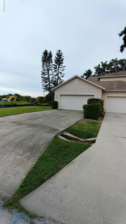 6208 Halyard Court, Rockledge, FL 32955 (MLS #819714) :: Premium Properties Real Estate Services