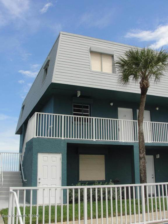 305 Highway A1a #13, Satellite Beach, FL 32937 (MLS #886984) :: Coldwell Banker Realty