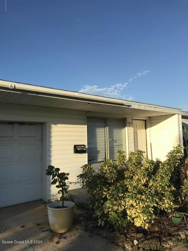 121 SE 4th Street SE, Satellite Beach, FL 32937 (MLS #890875) :: Coldwell Banker Realty