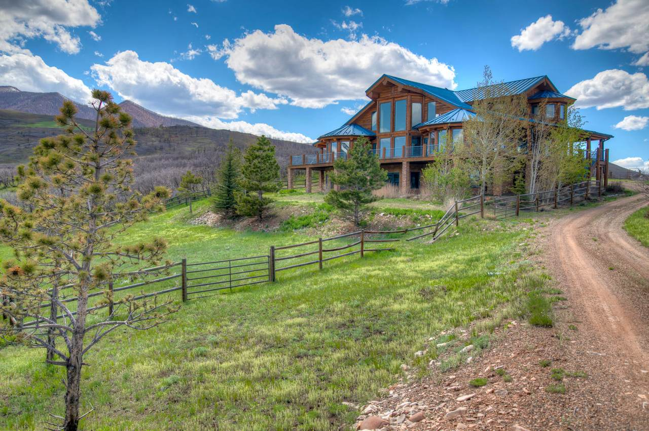 1390 Mountain Valley Rd - Photo 1