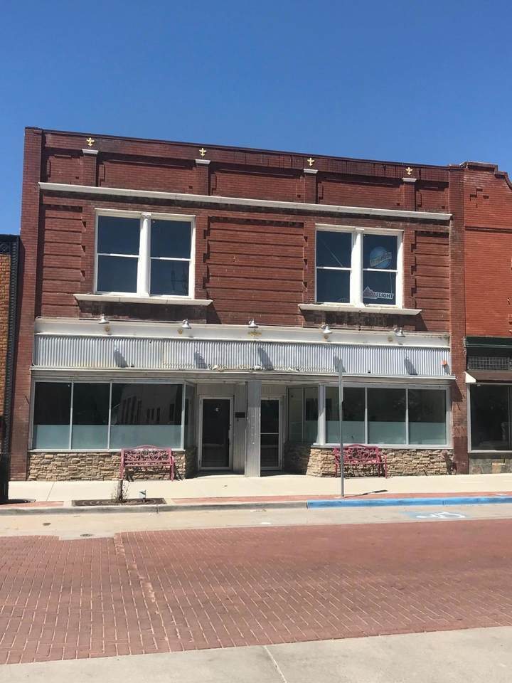 443 Commercial St - Photo 1