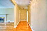 917 Brentwood Dr - Photo 2