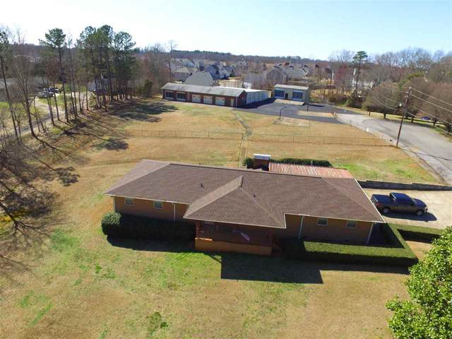 1070 Hanging Rock Rd, Boiling Springs, SC 29316 (#269082) :: Connie Rice and Partners