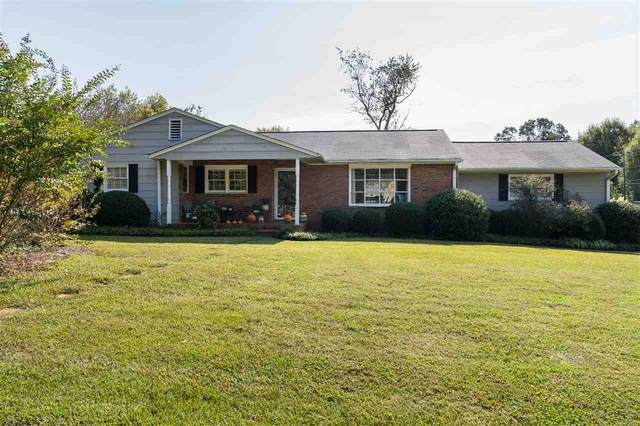 143 Woodhaven Drive, Spartanburg, SC 29307 (#275479) :: DeYoung & Company