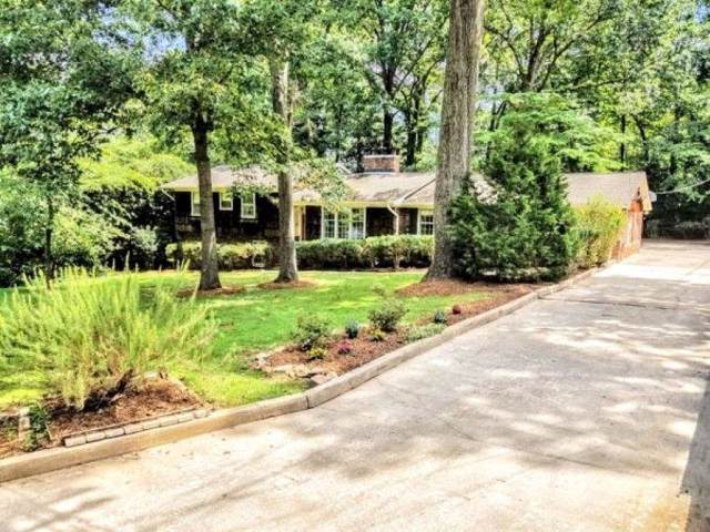 328 Lake Forest Drive, Spartanburg, SC 29307 (#265094) :: Connie Rice and Partners