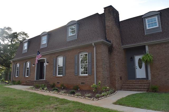 107 Lakeland Ave, Moore, SC 29369 (#248557) :: Century 21 Blackwell & Co. Realty, Inc.