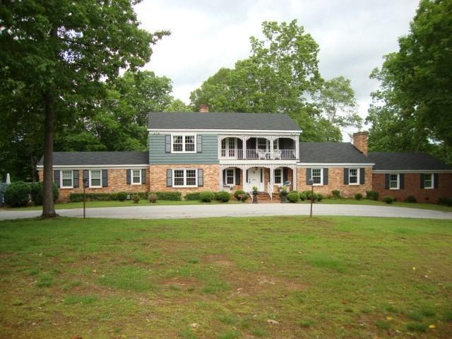 1415 Thornwood Drive, Spartanburg, SC 29302 (#251118) :: Century 21 Blackwell & Co. Realty, Inc.
