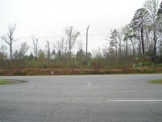 6102 Hwy 221, Roebuck, SC 29376 (#257440) :: Century 21 Blackwell & Co. Realty, Inc.