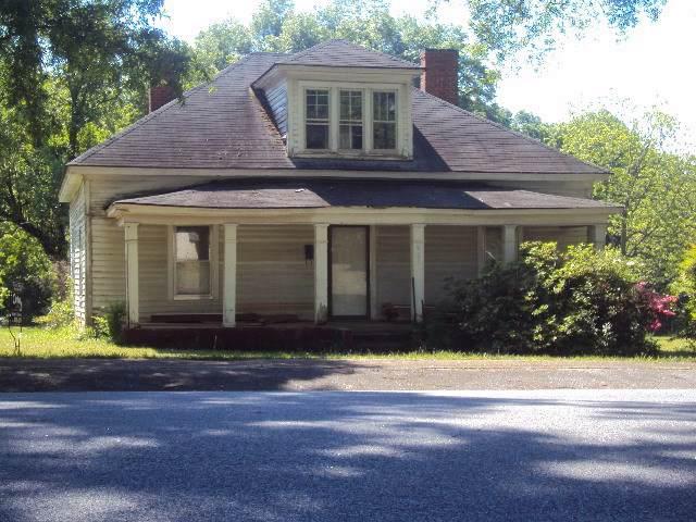 901 S Johnson Street, Gaffney, SC 29340 (#265856) :: Century 21 Blackwell & Co. Realty, Inc.