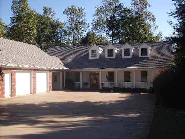 104 Hickory Hollow Dr, Inman, SC 29349 (#267094) :: Connie Rice and Partners