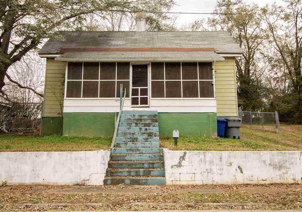 698 Southern Street - Photo 1