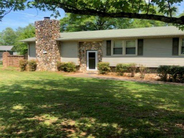 403 Forest Hills Drive, Williamston, SC 29697 (#280125) :: DeYoung & Company
