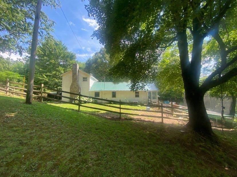 61 Country View Lane - Photo 1