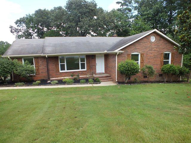 105 Manchester Drive, Spartanburg, SC 29301 (#253602) :: Century 21 Blackwell & Co. Realty, Inc.
