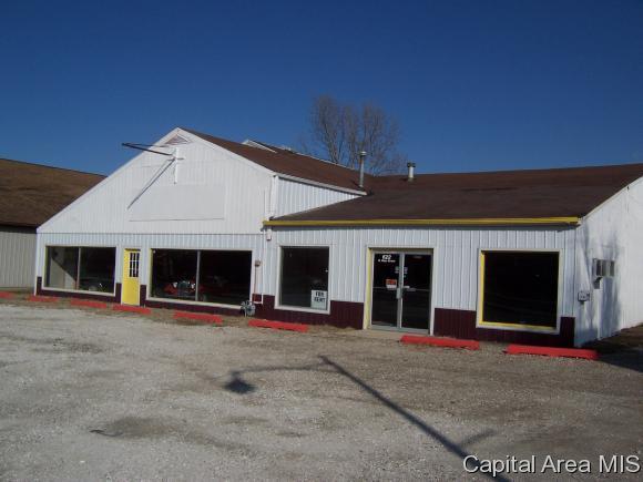622 N Main St, Jacksonville, IL 62650 (MLS #170914) :: Killebrew & Co Real Estate Team