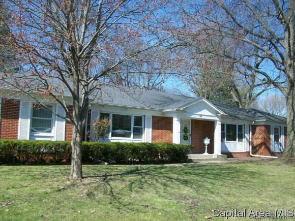 53 Pinehurst Dr, Springfield, IL 62704 (MLS #173681) :: Killebrew & Co Real Estate Team