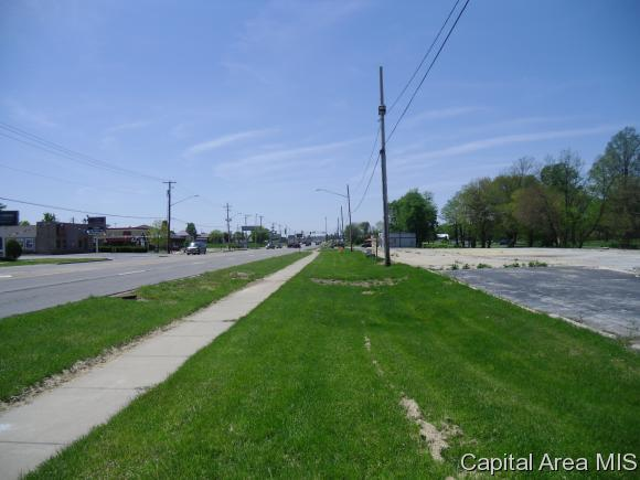 1110 W Morton Ave, Jacksonville, IL 62650 (MLS #174095) :: Killebrew & Co Real Estate Team