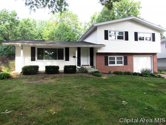 105 Dickinson Rd, Springfield, IL 62704 (MLS #175067) :: Killebrew & Co Real Estate Team