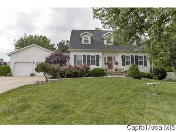 6 Abbey Ct, Chatham, IL 62629 (MLS #175171) :: Killebrew & Co Real Estate Team