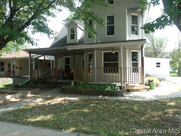 172 S Main St, Winchester, IL 62694 (MLS #176460) :: Killebrew & Co Real Estate Team