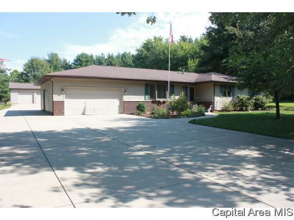 5435 Primrose Ln, Riverton, IL 62561 (MLS #176979) :: Killebrew & Co Real Estate Team