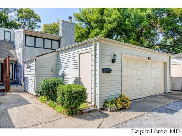 89 Country Place, Springfield, IL 62703 (MLS #177135) :: Killebrew & Co Real Estate Team