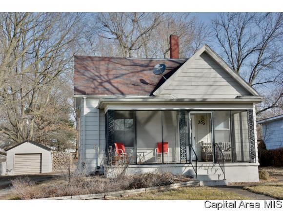 305 E Mill St, Rochester, IL 62563 (MLS #177248) :: Killebrew & Co Real Estate Team