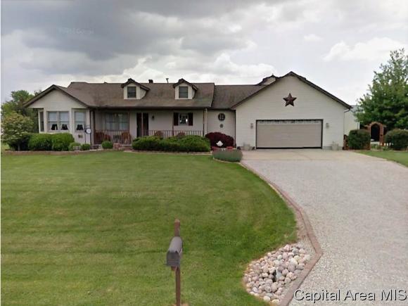 200 Nichols Ln, Loami, IL 62661 (MLS #177343) :: Killebrew & Co Real Estate Team
