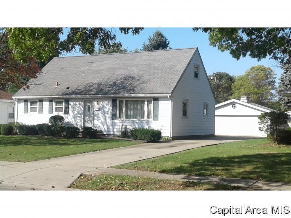 2117 Blackhawk Rd, Springfield, IL 62702 (MLS #177576) :: Killebrew & Co Real Estate Team