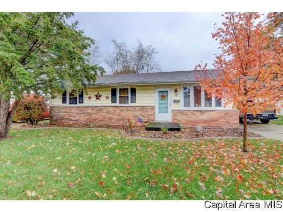 1248 N 3RD ST, Riverton, IL 62561 (MLS #177631) :: Killebrew & Co Real Estate Team