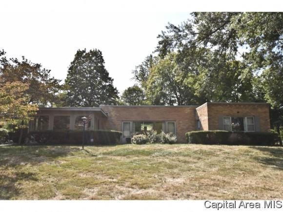 1660 W Laurel St, Springfield, IL 62704 (MLS #177738) :: Killebrew & Co Real Estate Team