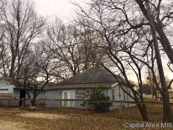 206 W Lynwood, Athens, IL 62613 (MLS #177750) :: Killebrew & Co Real Estate Team