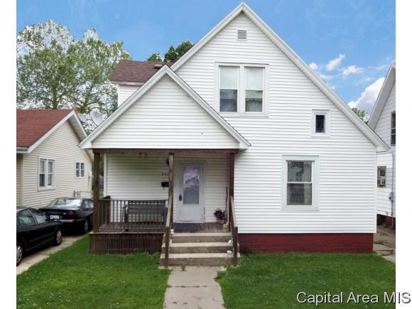 2332 S 10TH ST, Springfield, IL 62703 (MLS #177871) :: Killebrew & Co Real Estate Team