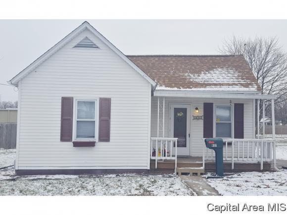 932 N Noble St, Virden, IL 62690 (MLS #178127) :: Killebrew & Co Real Estate Team