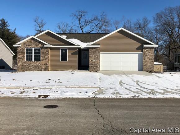 1104 Jesse Scott, Riverton, IL 62561 (MLS #180101) :: Killebrew & Co Real Estate Team