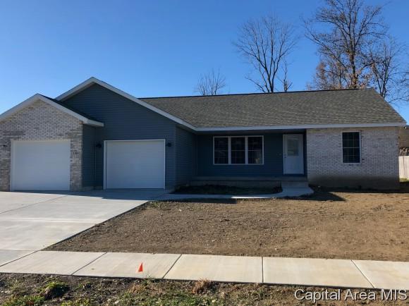 1105 Jesse Scott, Riverton, IL 62561 (MLS #180102) :: Killebrew & Co Real Estate Team
