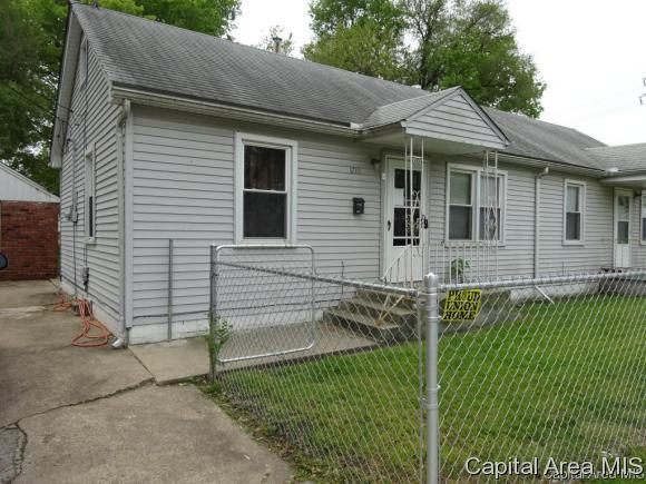 1710 Moffat Ave., Springfield, IL 62702 (MLS #180275) :: Killebrew & Co Real Estate Team