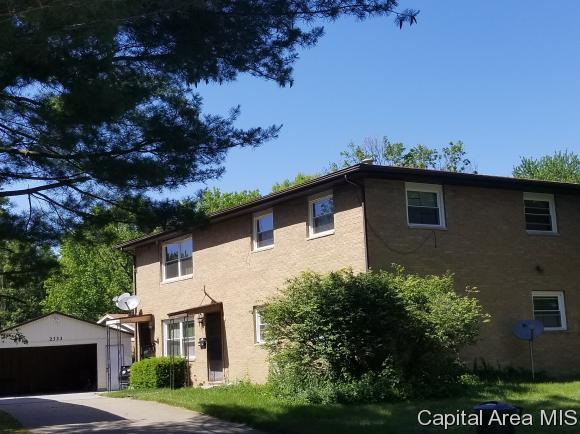 2333 Gillespie St, Springfield, IL 62704 (MLS #180345) :: Killebrew & Co Real Estate Team