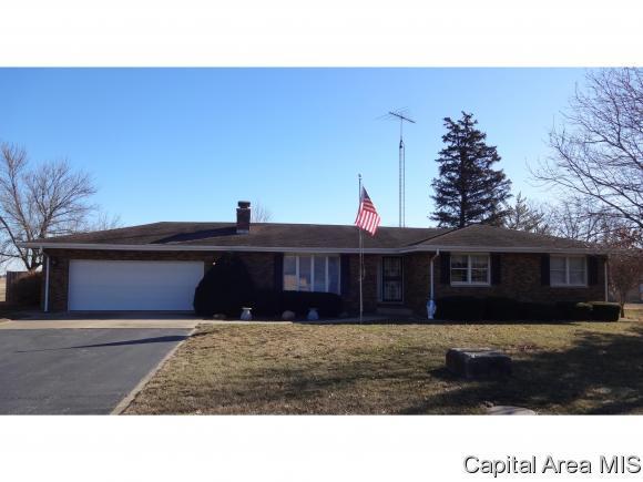 1236 N 7TH ST, Riverton, IL 62561 (MLS #180667) :: Killebrew & Co Real Estate Team