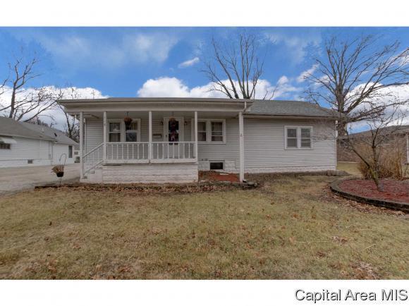 118 Liberty Ct., Virden, IL 62690 (MLS #180894) :: Killebrew & Co Real Estate Team