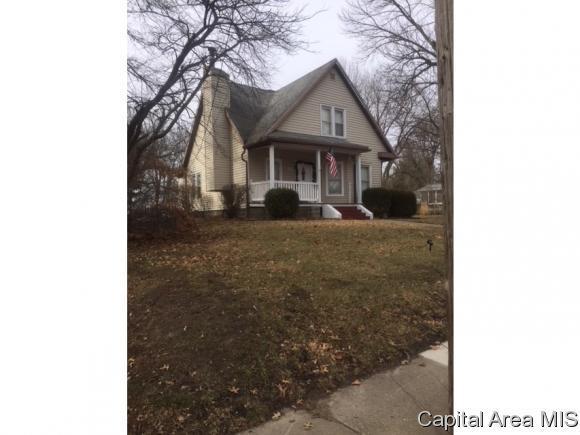 345 N Walnut St, Rochester, IL 62563 (MLS #180902) :: Killebrew & Co Real Estate Team