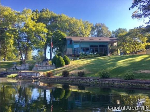 99 Almond Ln, Petersburg, IL 62675 (MLS #180923) :: Killebrew & Co Real Estate Team