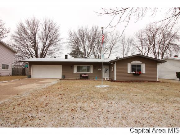 41 Woodsmill, Sherman, IL 62684 (MLS #180932) :: Killebrew & Co Real Estate Team