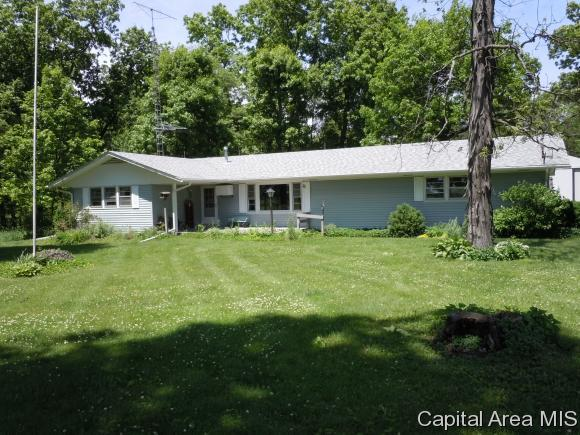 690 80th Ave, ROSEVILLE, IL 61473 (MLS #180934) :: Killebrew & Co Real Estate Team