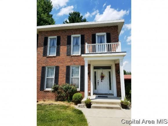 404 E 2nd South Street, Carlinville, IL 62626 (MLS #180971) :: Killebrew & Co Real Estate Team