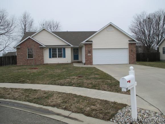 905 Timber Edge Dr, Sherman, IL 62684 (MLS #180987) :: Killebrew & Co Real Estate Team